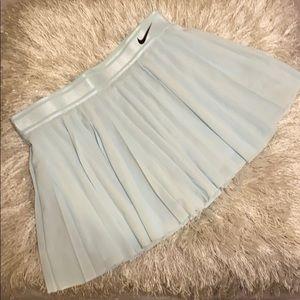 Women's Nike Tennis Skirt (NWT) Size Medium